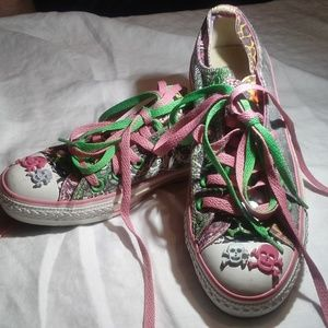 85127e35bb53 Women s Skull Converse on Poshmark